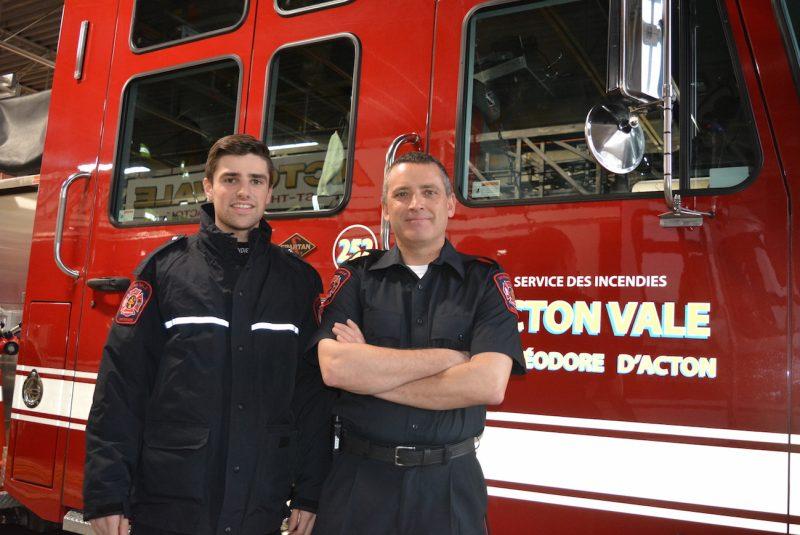 Sammy Bélanger et Yves Ricard, deux pompiers d'Acton Vale, ont récemment participé au Challenge Blanc, à La Tuque. Ils ont parcouru 500 km en deux jours, en motoneige, sur un parcours hors-piste.