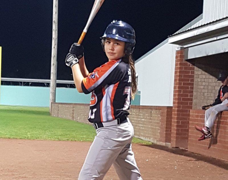 L'ABMRA aura un week-end fort occupé en accueillant la Tournée du baseball féminin. On voit ici Noa Champigny, une jeune Valoise qui évolue pour l'équipe régionale pee-wee des Élites de Richelieu-Yamaska.