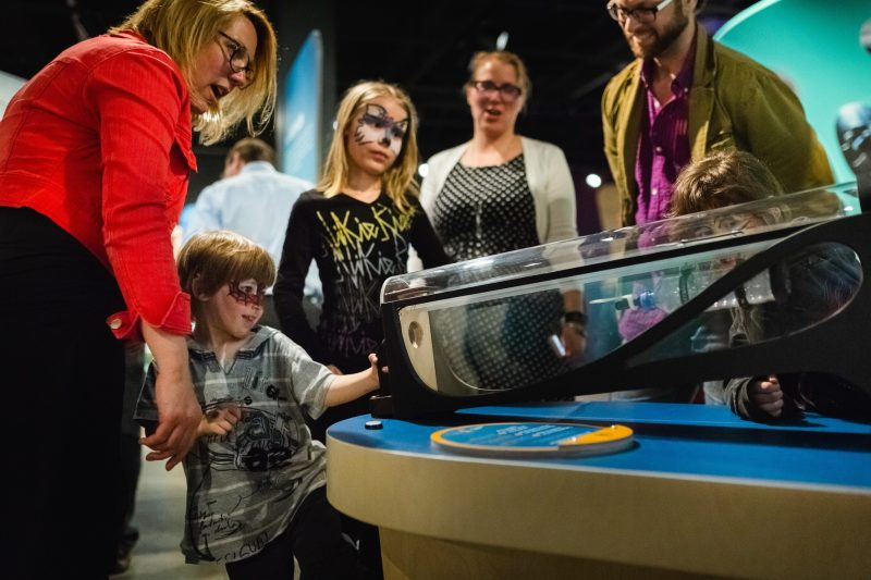 Le Musée de l'ingéniosité J. Armand Bombardier de Valcourt propose une nouvelle exposition sur le biomimétisme, qui démontre que plusieurs technologies reliées au transport sont directement inspirées par la nature.  (photo Jean-Michel Naud Photographe)