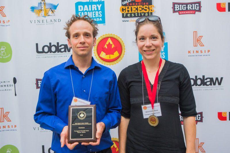 Jean-Paul et Marie-Chantal Houde, propriétaires de la Fromagerie Nouvelle-France de Racine, sont très fiers d'avoir décroché deux prix lors de l'édition 2018 du Concours des fromages fins canadiens.