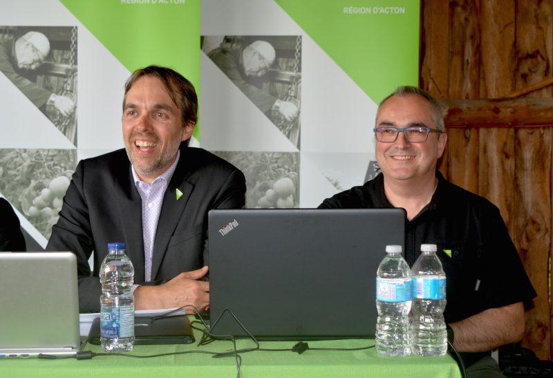 Philippe Picard et Éric Thibodeau, respectivement président et directeur général de la SADC de la région d'Acton.